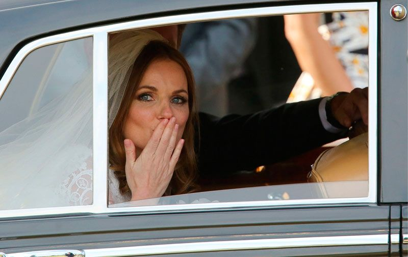 Se casó Geri Halliwell pero no logró reunir a todas las ex Spice Girls