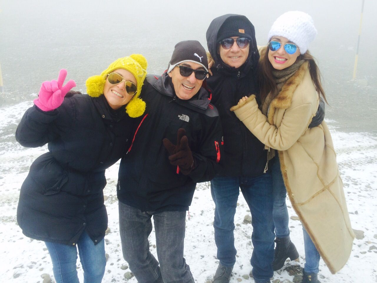 Andrea Estévez, Federico Bal y Ravelli, esquiando en Bariloche: fotos y un divertido video