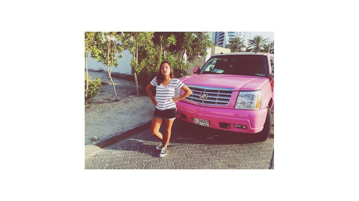 El lujoso auto con el que se lució Jana Maradona: ¿un regalo de Diego?