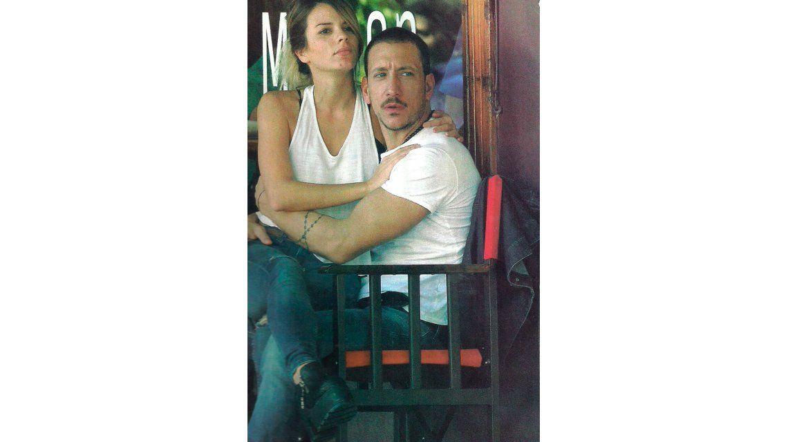 Nico Vázquez: las fotos de su look renovado y la mano (indiscreta) con Gimena Accardi