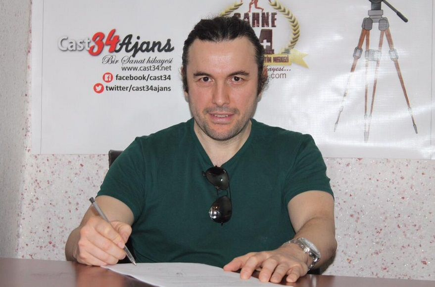 Ali Kemal de Las mil y una noches firmó su contrato para el Bailando en Turquía