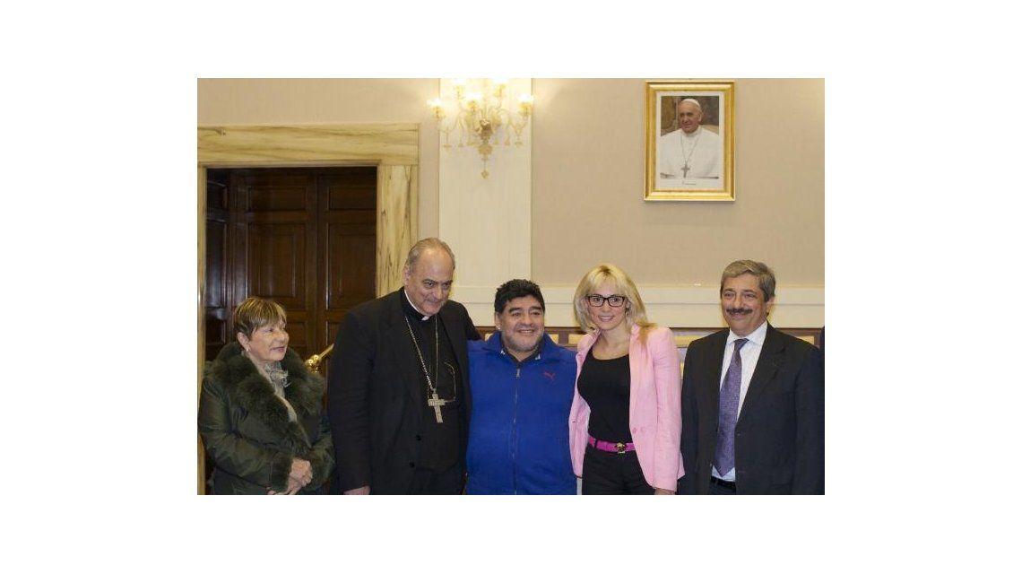 En medio del escándalo con Verónica Ojeda, Diego Maradona organiza el segundo Partido por la Paz, junto a Rocío Oliva