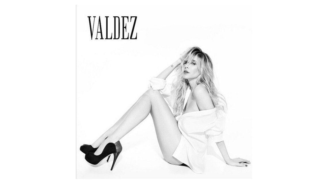 Guillermina Valdes sexy y provocativa en la nueva campaña de su marca