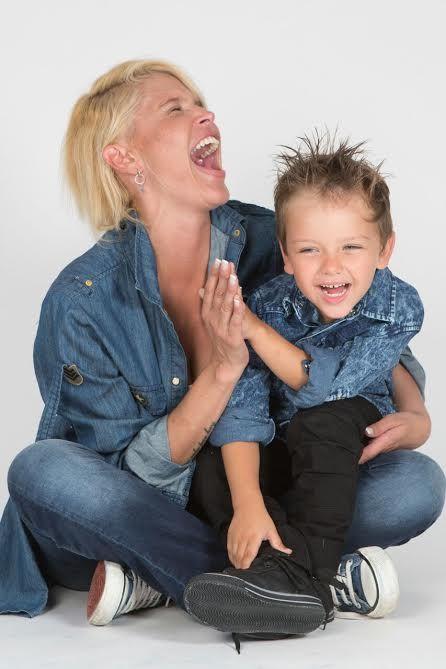 Nazarena Vélez y su hijo volvieron a sonreír: No hay dolor ni angustia que Thiago no pueda sanar