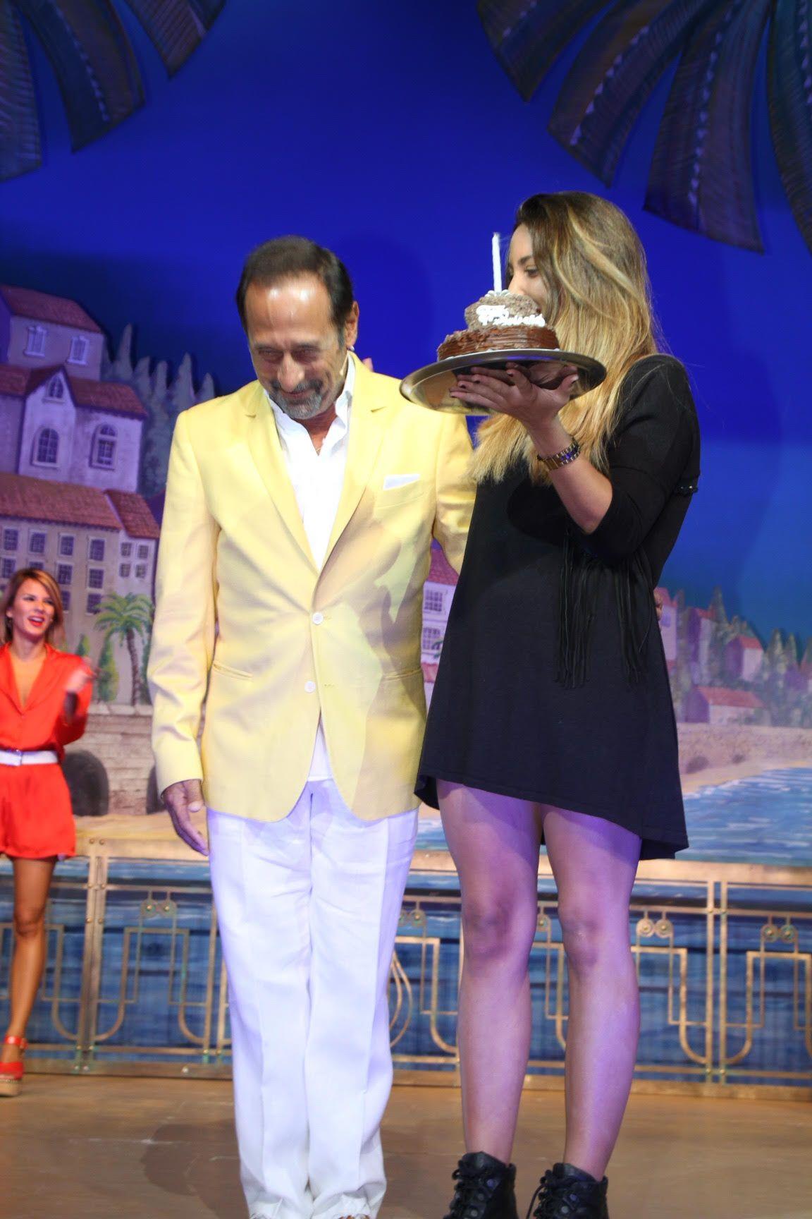 Guillermo Francella festejó los 60 años arriba del escenario