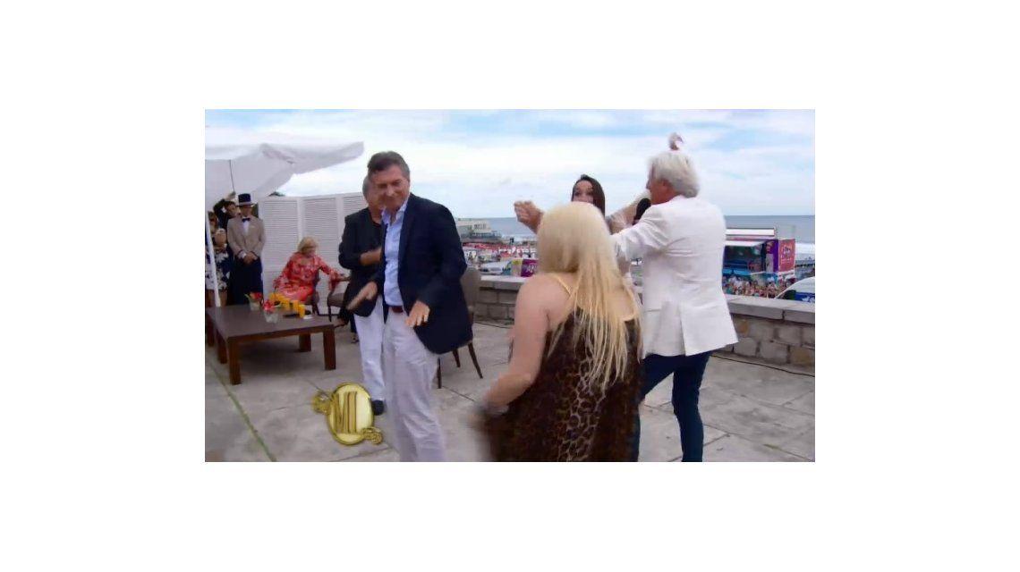 Mirtha y Sergio Denis lograron lo peor: hacer bailar a Macri en televisión, ¡otra vez!
