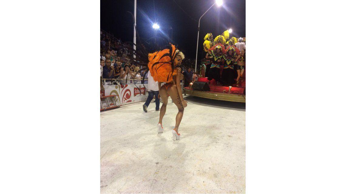 Vicky Xipolitakis en el carnaval de Gualeguaychú: la griega la rompió