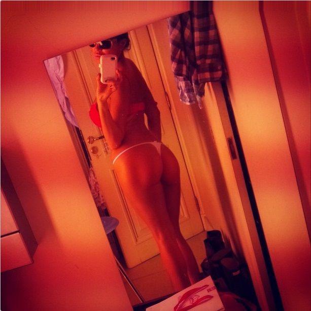 Jelinek se divorcia sin división de bienes y hace selfie hot buscando millonario