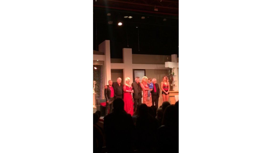 La emotiva dedicatoria de Nazarena a la hermana de Fabián Rodríguez en el teatro