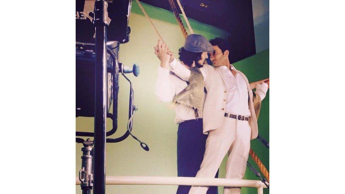 La escena que se viene: Segundo y Tony en Viudas... como Jack y Rose en Titanic; amor en proa