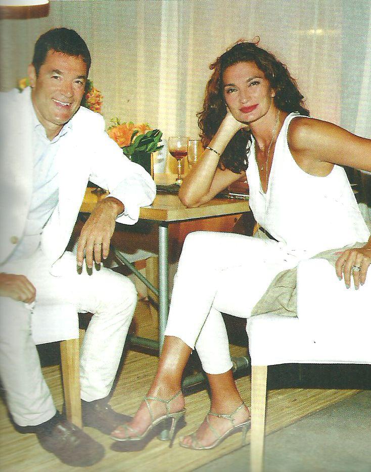 Nicolás Repetto y Florencia Raggi estrenaron su majestuosa mansión con la fiesta de blanco