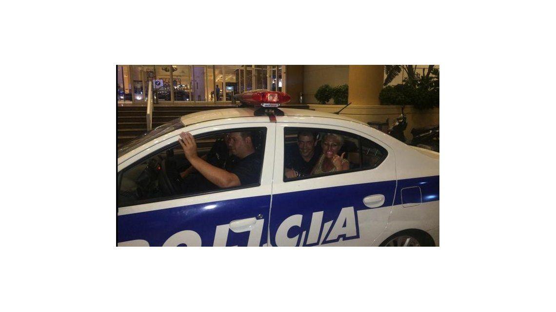 La Griega generó revuelo en Punta: la sacaron en un patrullero del Casino