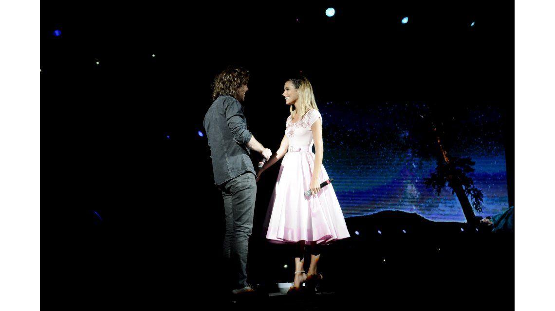 El show de Tini Stoessel y un bonus track especial: cantó junto a Peter Lanzani