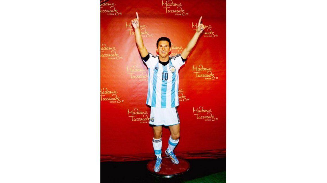 ¿El clon de Messi? En Alemania le hicieron una estatua que es idéntica