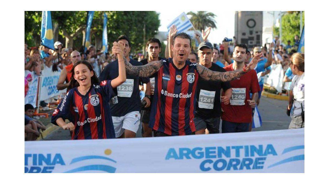 Marcelo Tinelli vuelve a Bolívar para la maratón que lleva el nombre de su padre
