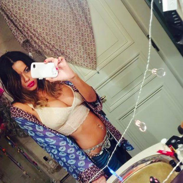 Karina Jelinek calentó las redes sociales con fotos súper hot ¡y desnuda!