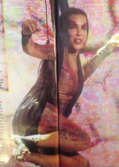 Paula Robles, la ex mujer de Marcelo Tinelli, hizo acrobacia con telas en un show de Los Tekis
