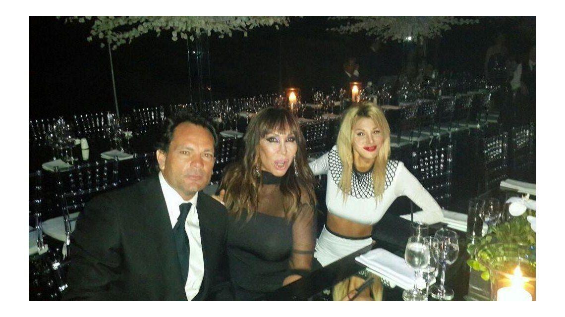 Moria Casán, con nuevo novio en la boda de Jésica Cirio y Martín Insaurralde