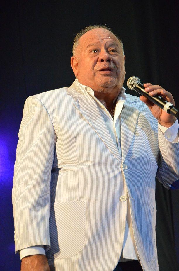 Cacho Buenaventura presenta En defensa propia en el Teatro Maipo