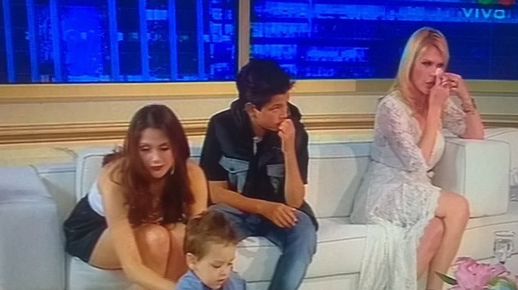 Nazarena Vélez con sus hijos en lo de Susana:  Fabián no pudo enfrentarme