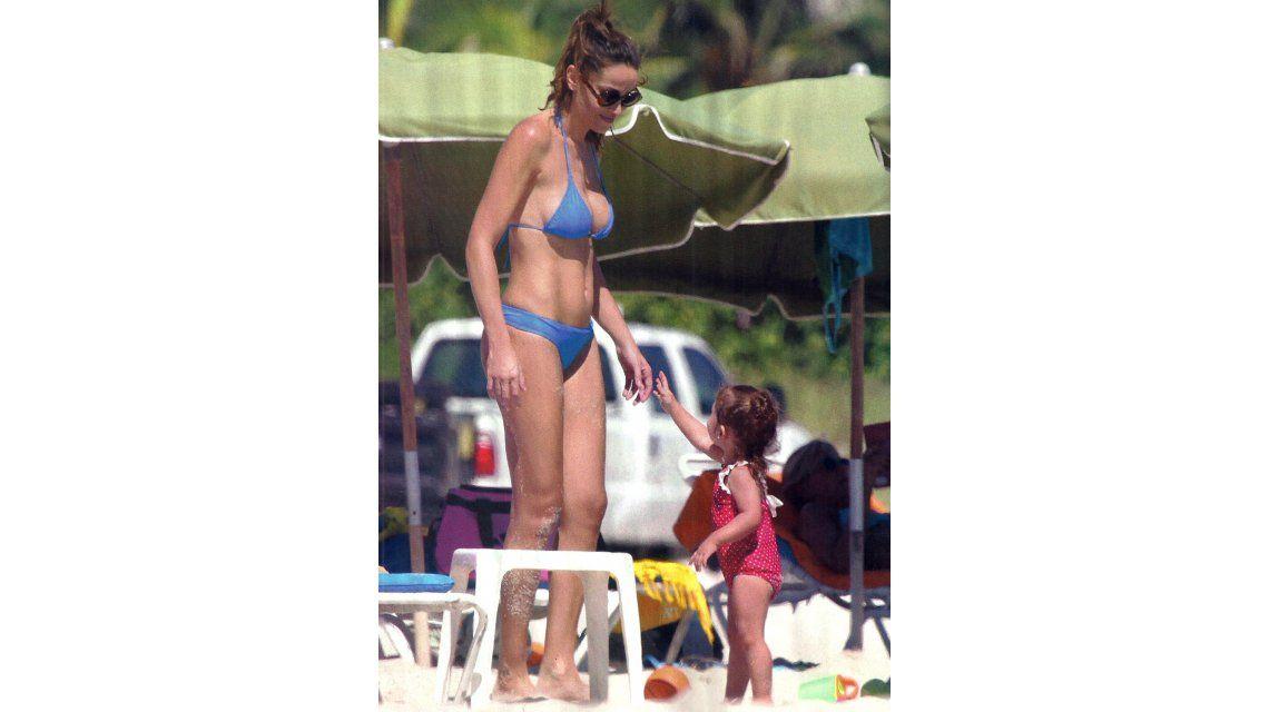 Las vacaciones en familia de Débora Bello, Diego Torres y su hija Nina en Miami