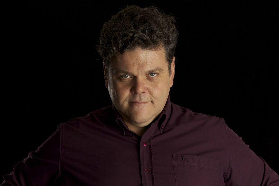 Alfredo Casero: En otro país, un actor como yo viviría en una casa de 5 palos verdes y con chofer