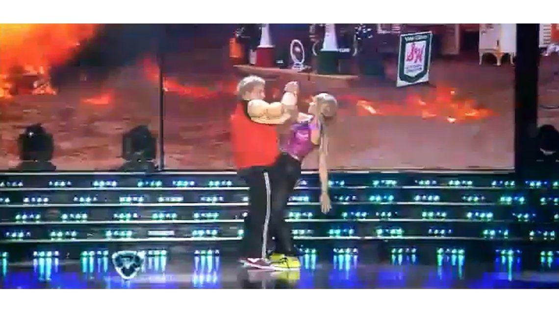 Anita Martínez y el Bicho Gómez bailaron reggaeton disfrazados y el jurado los destrozó