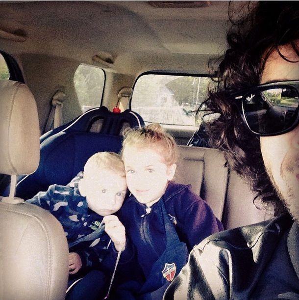 Separado de Juliana Giambroni, Mariano Martínez se muestra con sus hijos