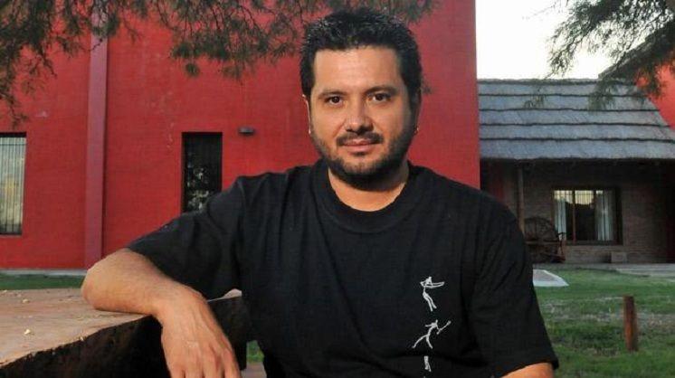 Susto para el cantante Jorge Rojas: se incendió parte de su casa
