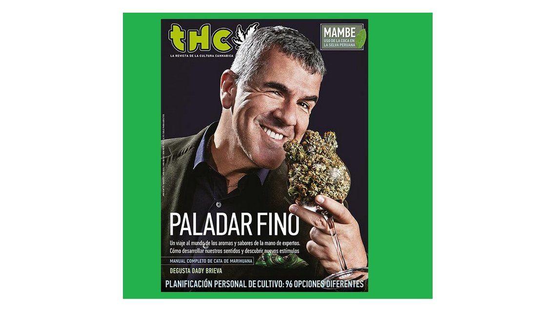 Dady charutero: es la tapa de una revista y dice fumo marihuana en un asadito