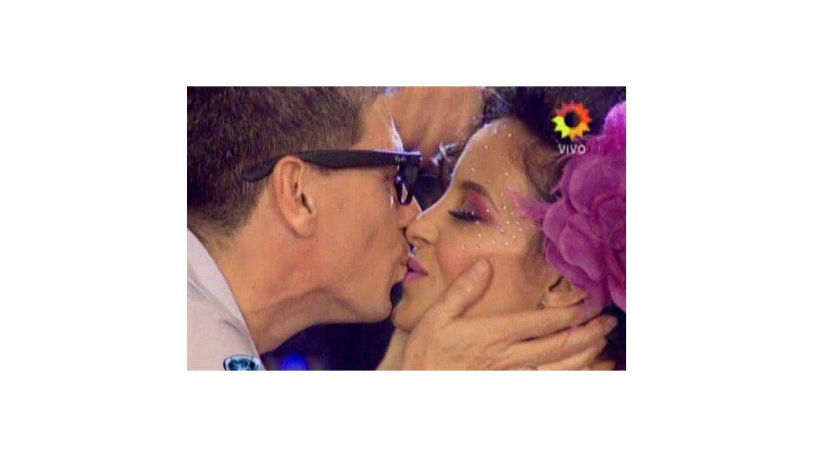 El compromiso de casamiento del Chato Prada con Lourdes Sánchez en el Bailando