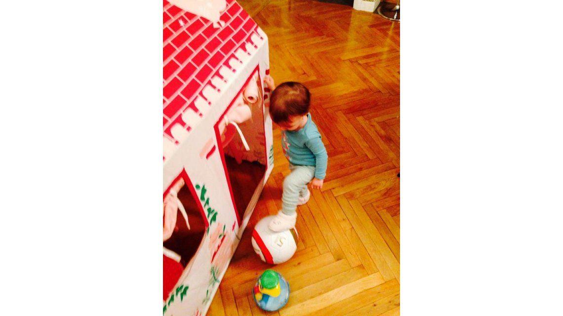 ¿Futura goleadora? La emoción de Darío Cvitanich porque su hija juega con una pelota de fútbol