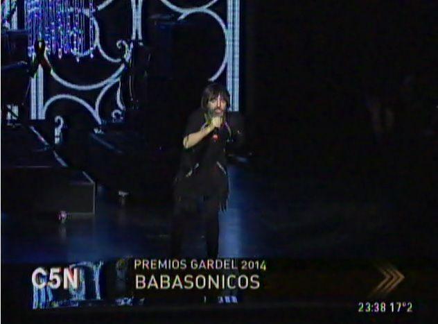 El vibrante show de Babasónicos para promediar la noche de los #Gardel2014