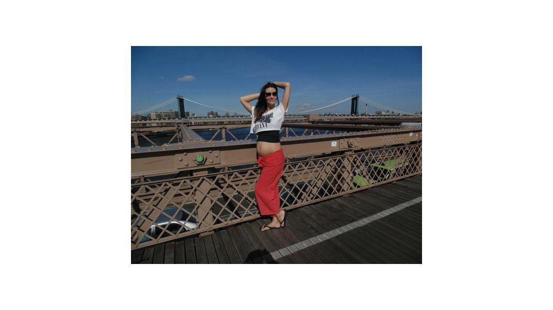 Paula Morales luce su pancita de embarazada en Nueva York