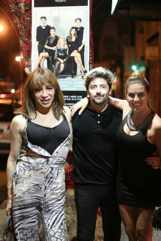 Luisana Lopilato, Vicky Xipolitakis y Lizy Tagliani: de ronda teatral