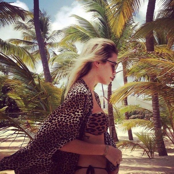 El osado look que eligió Lali Espósito durante sus vacaciones en la playa