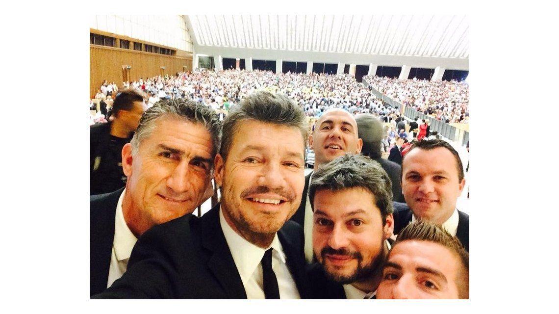 La selfie de Marcelo Tinelli y parte del equipo de San Lorenzo en el Vaticano