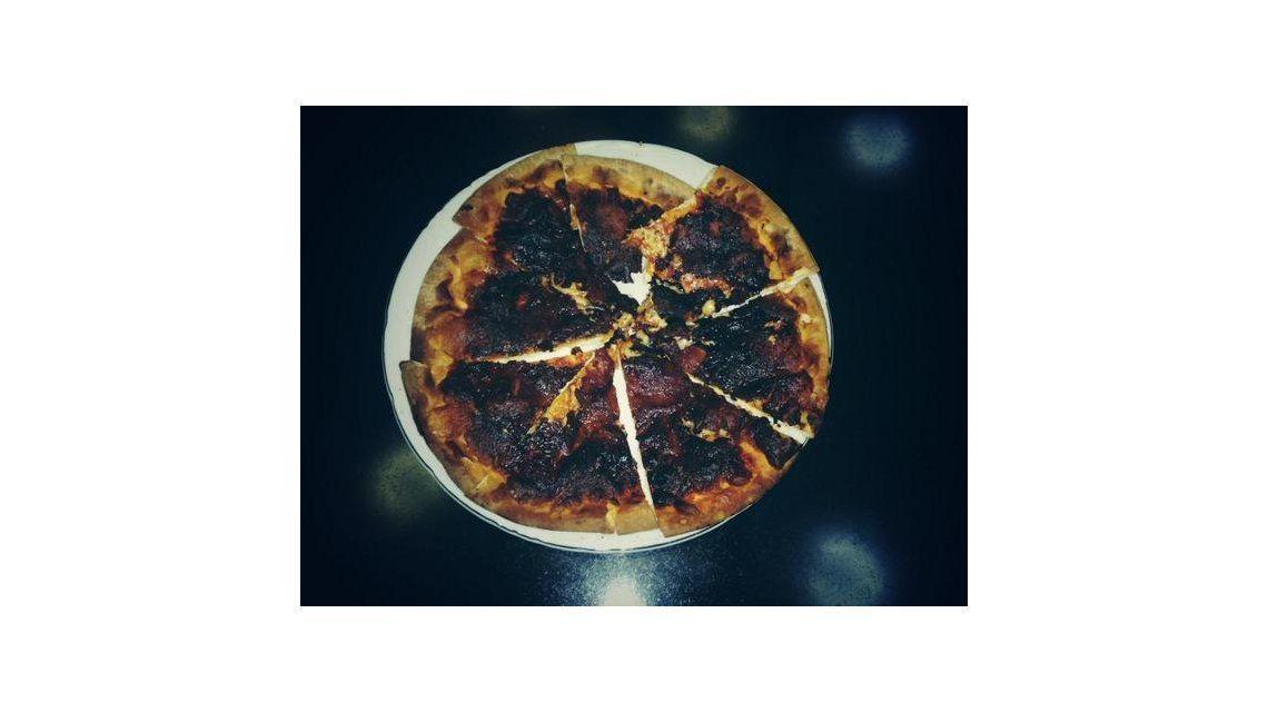 ¿Qué famosa demostró no saber nada de cocina y quemó una pizza?