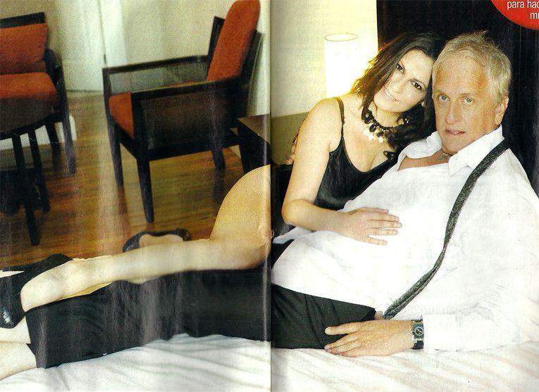 Las bizarras fotos de la madrastra de Wanda en malla y Andrés Nara apoyándola