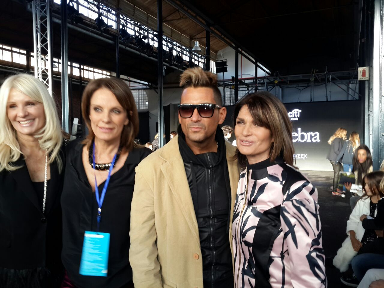 Cumbre familiar: los Tinelli acompañaron a Micaela en el desfile de su marca; las fotos
