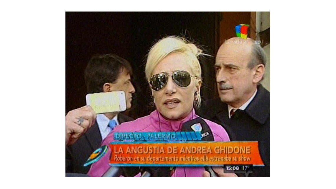 Mientras estrenaba su obra de teatro, le desvalijaron la casa a Andrea Ghidone