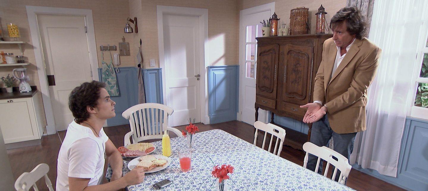 Gustavo Bermúdez enojado por el cambio de horario de Somos Familia