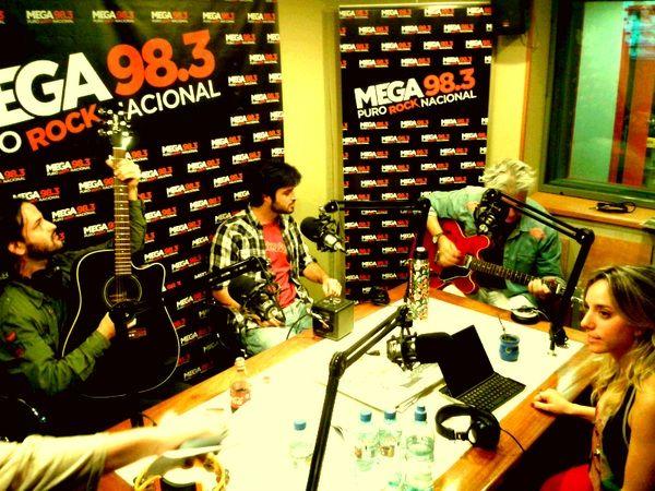 El Bordo presentó sus nuevos temas en la radio junto a Roberto Pettinato