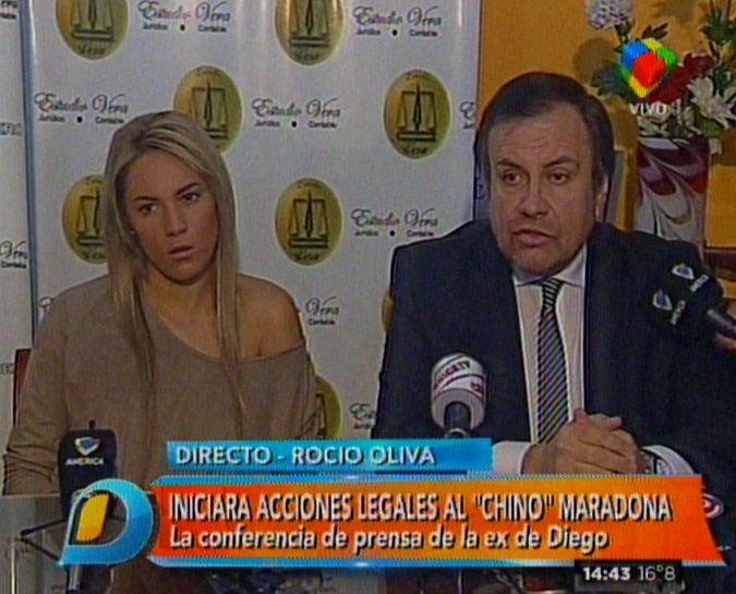 La bizarra y vergonzosa conferencia de prensa de Rocío Oliva