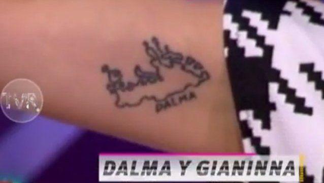 Una actriz se tatuó las Islas Malvinas con los nombres de Dalma y Gianinna