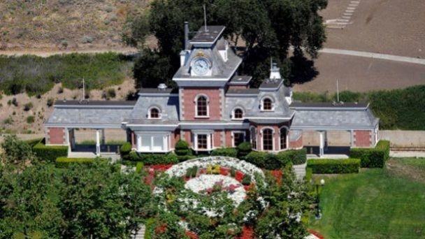 La mansión de Michael Jackson se vende por 30 millones de dólares