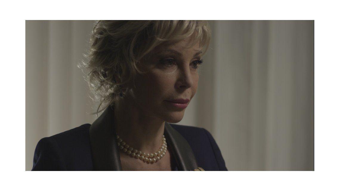 Casi pelada: Graciela Alfano cambió su look para una película