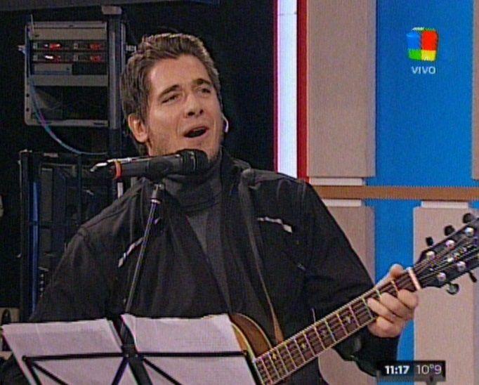 Guillermo Andino, de conductor de noticiero a cantante