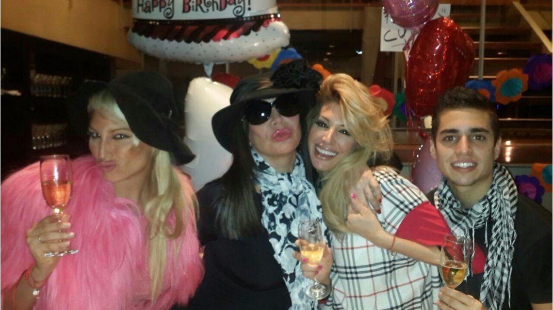 El cumpleaños de Stefy Xipolitakis, acompañada por Moria Casán y su polémica hermana
