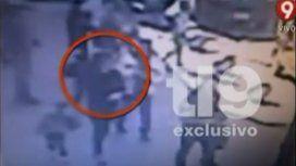 Video: el asalto de Florencia de la V y su familia en Recoleta
